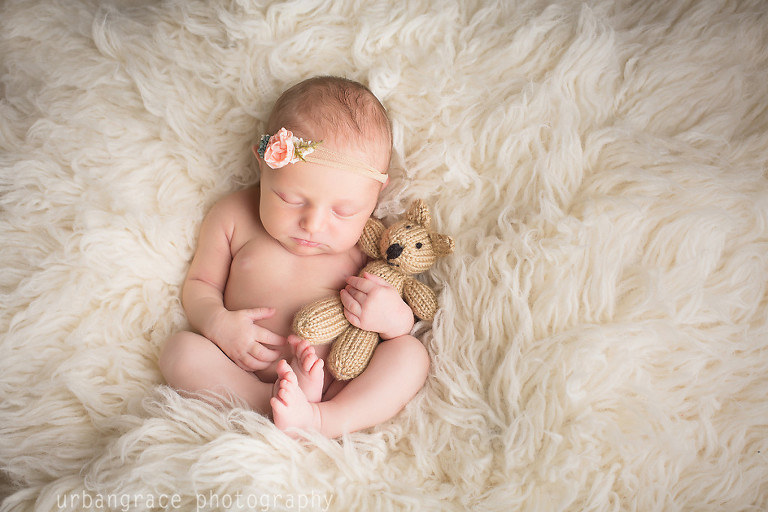 lifestyle newborn and family photographer in Buford Georgia