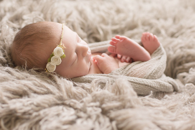 natural newborn photographer in atlanta